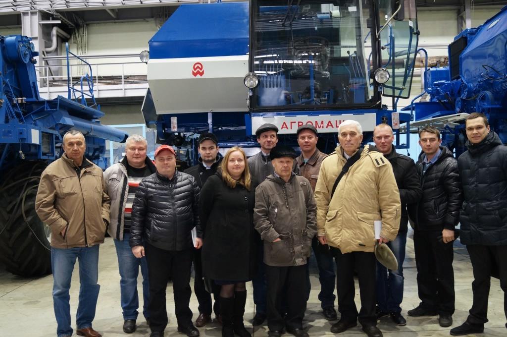 Представители сельхозпредприятий Кировской области ознакомились с производством техники АГРОМАШ