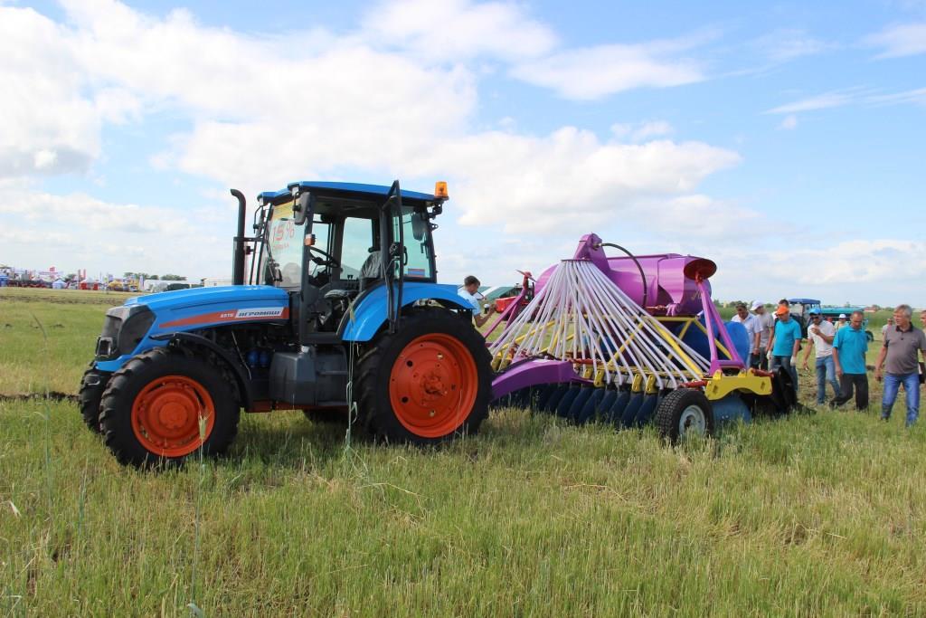 Тракторы и сельхозтехника Агромаш. Купить трактор Агромаш.