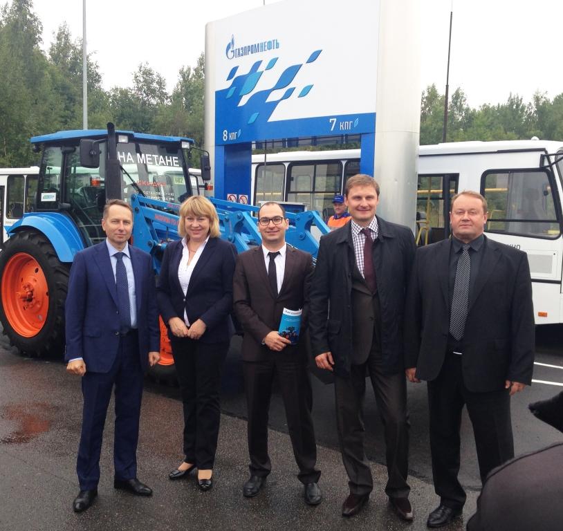 Газомоторная техника АГРОМАШ для содержания дорог Ленинградской области