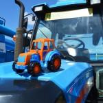 Сельхозпроизводители Удмуртии ближе знакомятся с линейкой техники АГРОМАШ