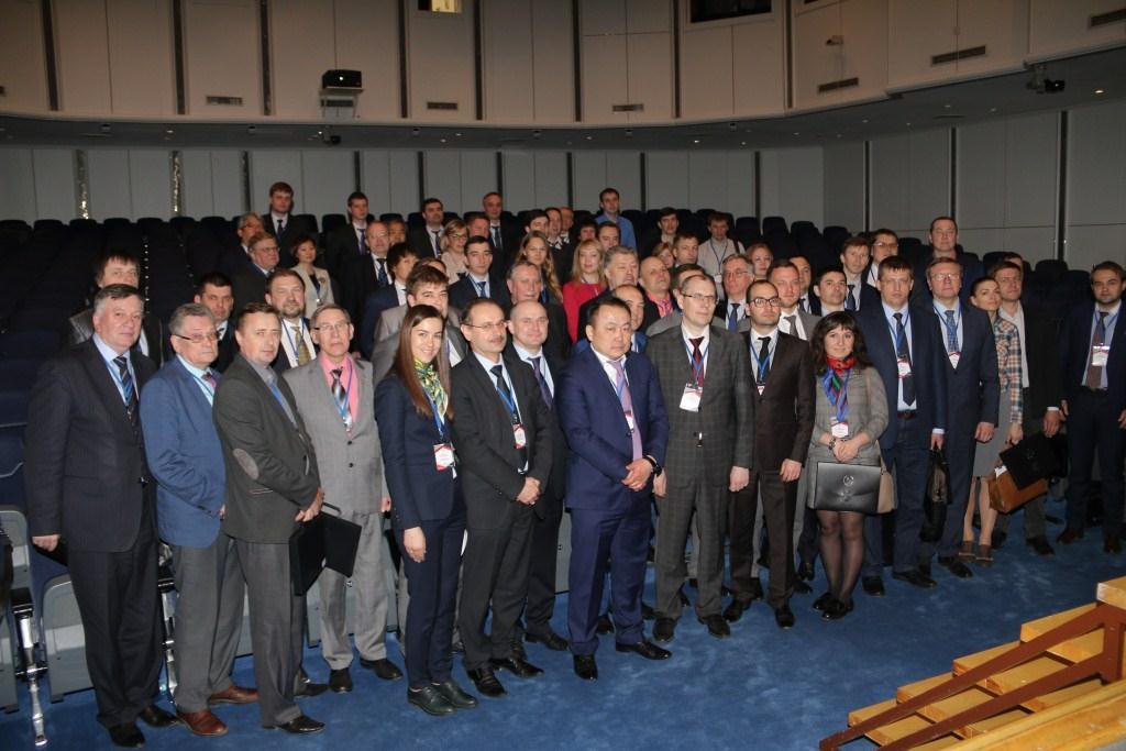 Специалисты «Агромашхолдинга» обсудили вопросы развития рынка газомоторного топлива с ведущими российскими и зарубежными экспертами в области газомоторного топлива