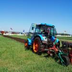 Лучший пахарь России определится за рулем трактора АГРОМАШ 85ТК на тюменской борозде