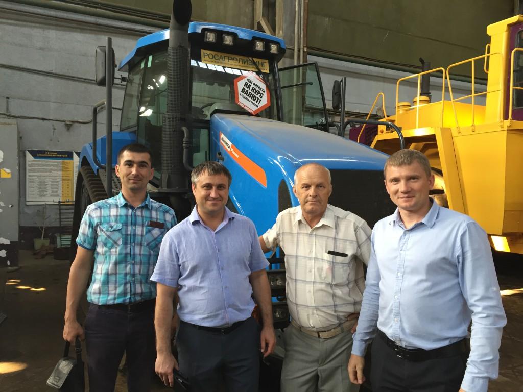 Представители сразу двух официальных дилеров «Агромашхолдинга» ознакомились с производственными мощностями «Промтрактора»