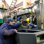 Установка двигателя АМЗ на отечественный харвестер