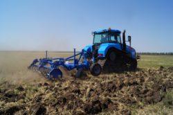 «Агромашхолдинг» повышает квалификацию специалистов на инновационных тракторах