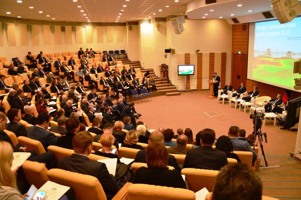 «Тракторные заводы» и «Агромашхолдинг» приняли участие в парламентских слушаниях в Госдуме России